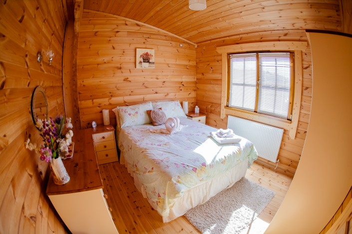 006 705x469 Promotional photography. Forest View Retreats log cabins.