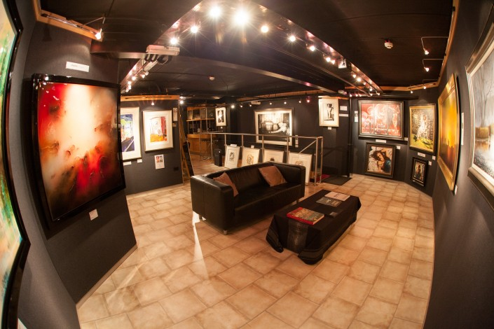 043 705x470 Commercial Photography; Castle Galleries 20th anniversary event