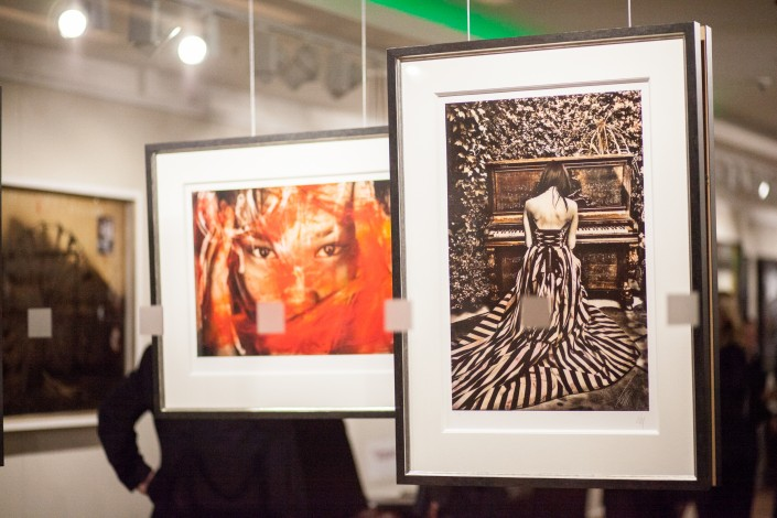 IMG 1931 705x470 Corporate photography; Castle Galleries exclusive preview of Raphael Mazzucco exhibition